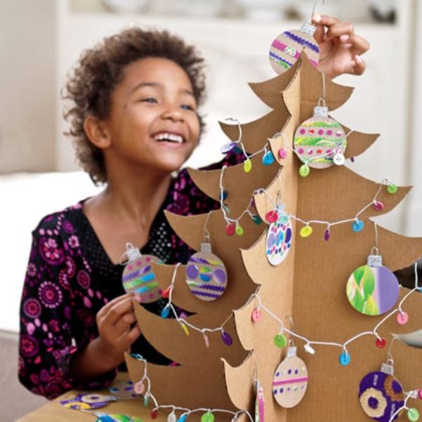 Как сделать елку своими руками из картона